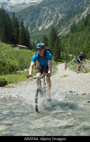 Mountain biking, walking, cycling...many marked trails leave from the Mas d'Oriane...