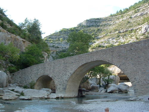 The Méouge gorge is nearby, ideal for swimming and trekking...is only 5km away!